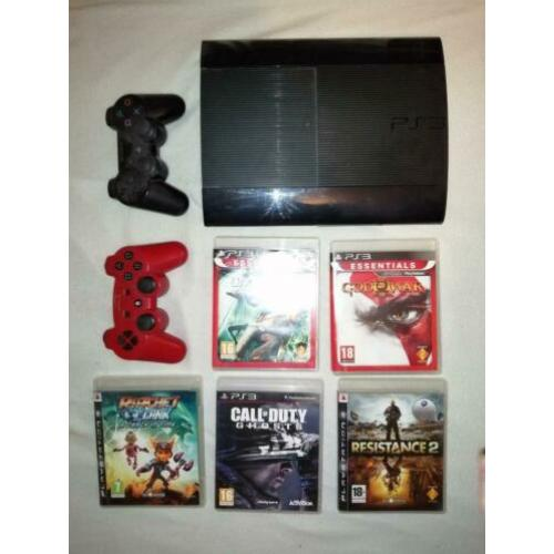 PS3 met 2 controllers en 6 games